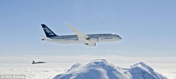 揭秘波音787梦想飞机:出自全球最大建筑内