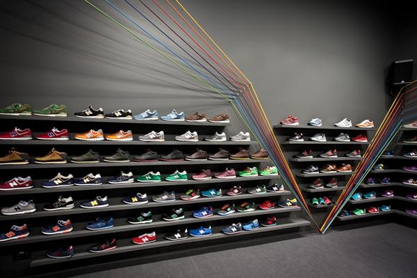 简单鞋店装修效果图