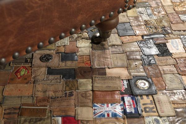 目前该地毯的规格有 140 x 200cm 和 160 x 240cm 两种,已可通过 KINGS OF SWEDEN 购买,感兴趣的同学可以看一看。 参考价格:399 欧元 / 545 欧元(小号 / 大号) 购买渠道: