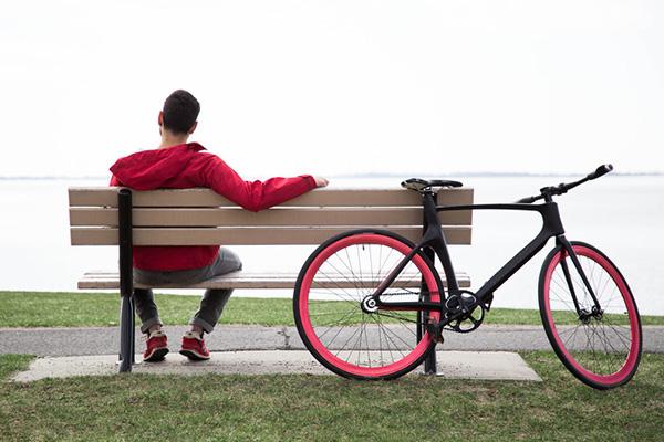 强调智能,安全与设计感,vanhawks 发起 valour 智能自行车众筹项目