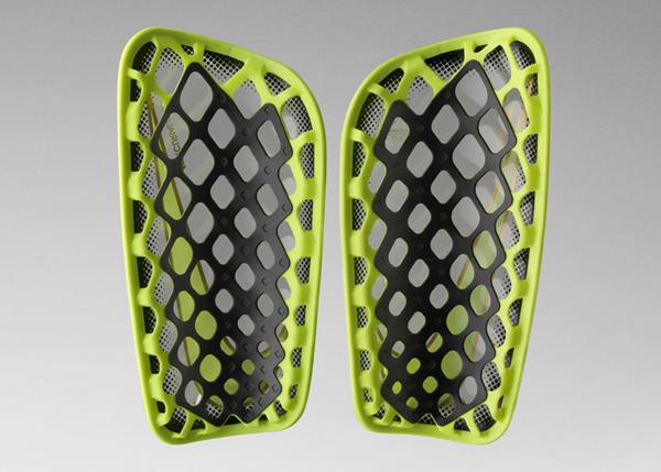 《内马尔、C 罗、鲁尼世界杯用啥包?NIKE 发布 3D 打印球包 Rebento》