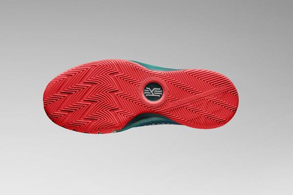 與偶像凱利·歐文同款,NIKE 推出青少年版KYRIE 1 籃球鞋