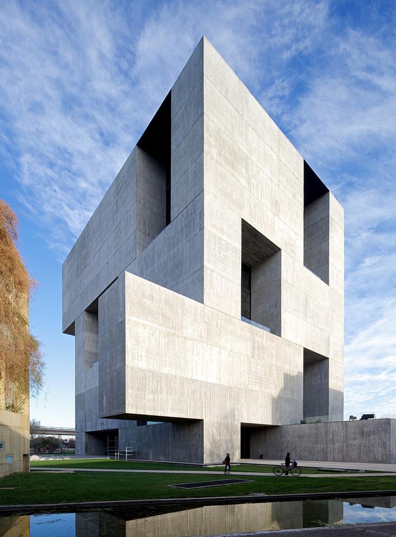 这位智利人,凭什么成为 2016 威尼斯建筑双年展的主策展人 | 理想生活实验室 - 为更理想的生活